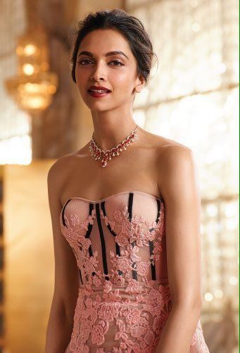 Deep ♥ for Tanishq's #QueenOfHearts collection