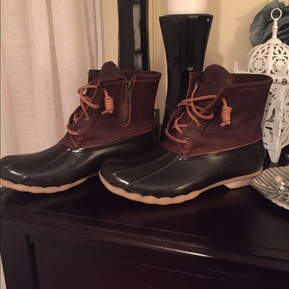 Sperry Saltwater Duck Boot Sperry Saltwater Duck Boot. Excellent condition. Worn 3-4 times. Sperry Top-Sider Shoes Winter & Rain Boots