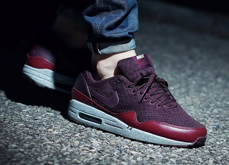 Nike Air Max 1 EM 'London' (by bevilacquavisuals) – Sweetsoles – Sneakers