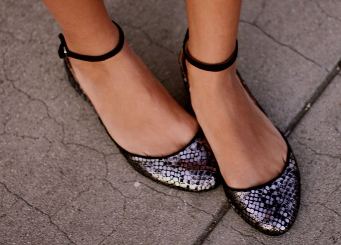 Zara ankle strap ballet flats.... definitely one of my newest shoe obsessions.... I want these!!