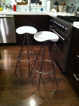 Jamaica-style metal barstools — Fixed price $400http://krrb.com/posts/13863-jamaica-style-metal-barstools