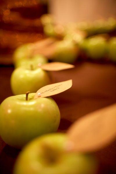 Apples escort cards. For the teacher wedding.