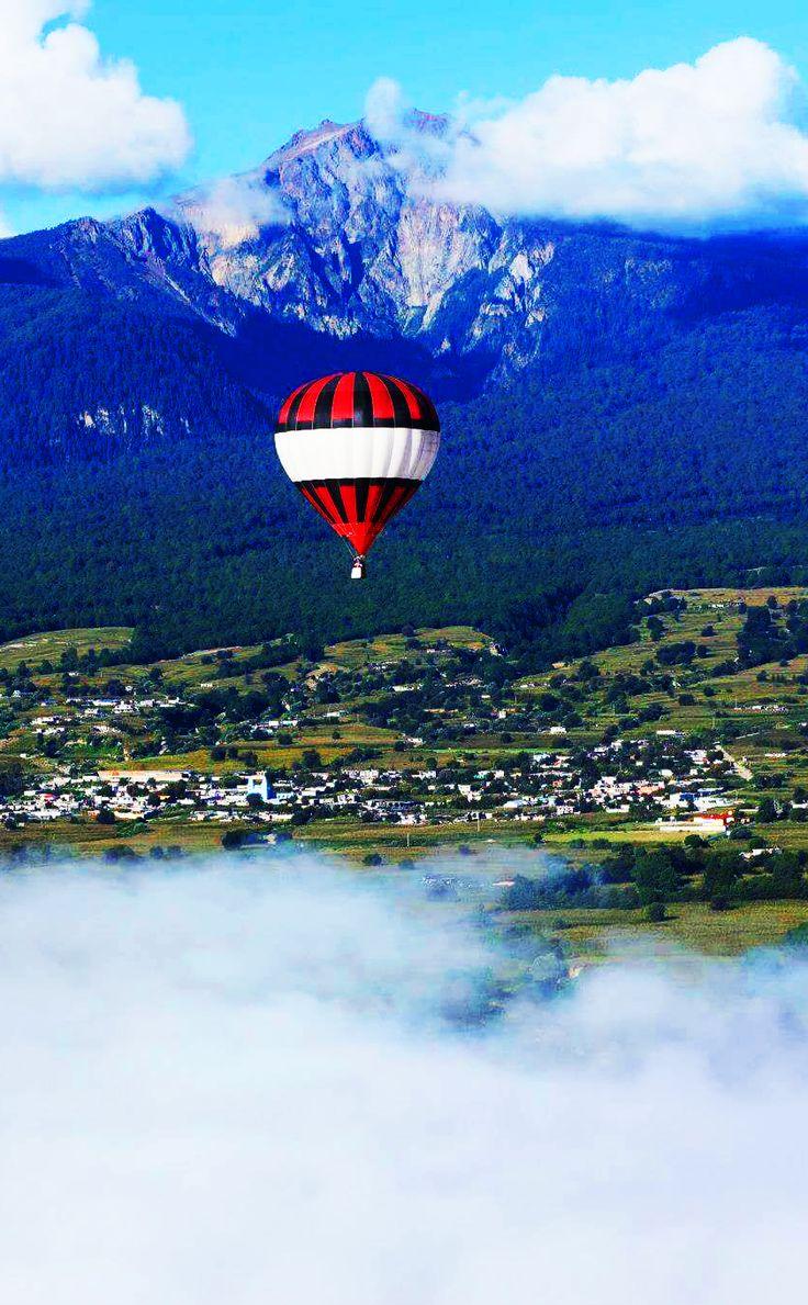 "Volcán ""La Malinche"". Huamantla Tlaxcala, México.  #Globoaerostatico #Hotairballoon #Volcán #Paisajes Reservaciones Tel: 65800620 WhatsApp: 5540364761 Email: vuelosenglobo@gmail.com"