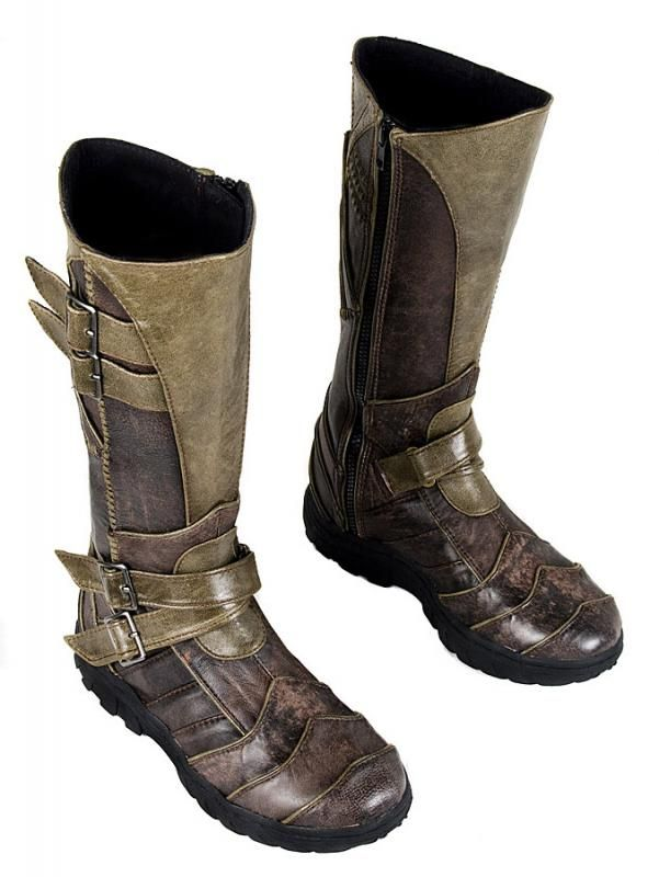 These are tottally the boots from assassins creed 1
