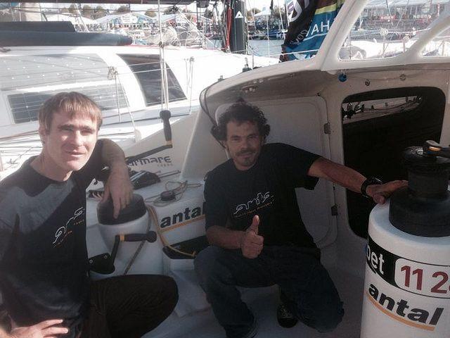 Sam e Gaetano si preparano alla partenza. Un momento di relax