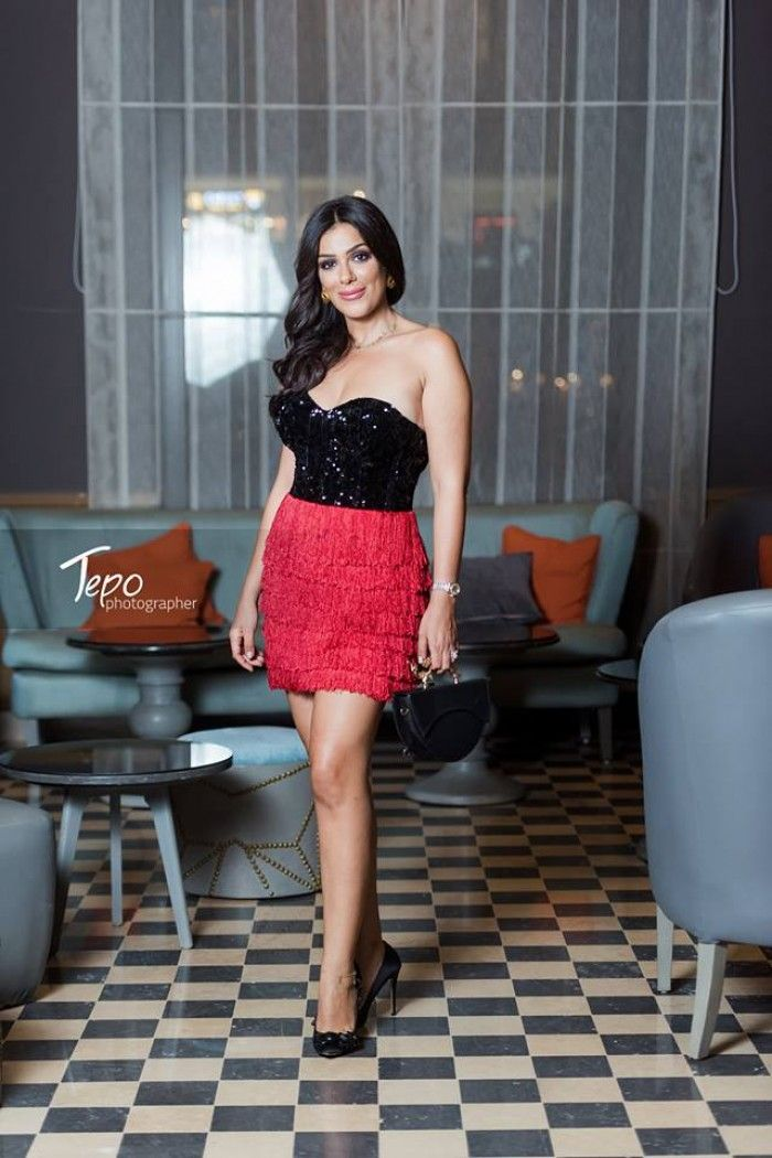 بالصور علي غير العاده أنجي المقدم بأطلاله مثيره جدا في أحدث ظهور لها Egyptian Actress Fashion Strapless Dress