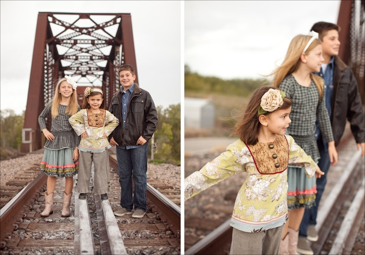 Family Portraits on train tracks | Photography by Meagan. This is a great idea!
