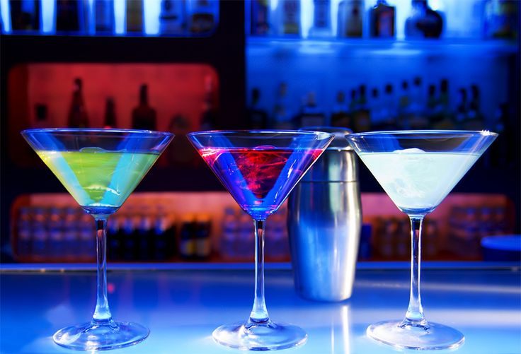 Savour some of the finest & enticing range of cocktails...Only at The Lounge. For table reservations, call +91 20 4018 8444
