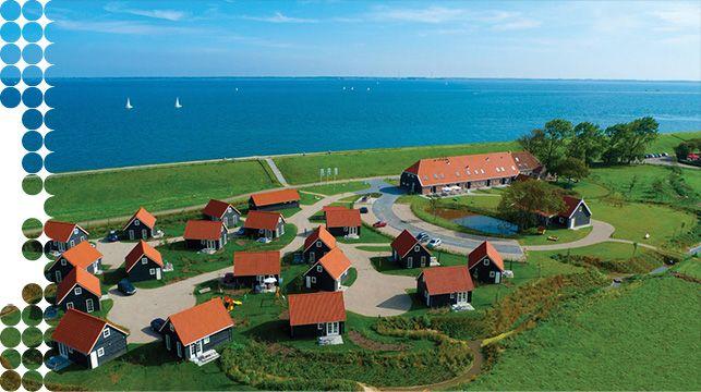Zeeland-vakantiehuisjes en groepsaccomodatie aan de Oosterschelde- ontbijt service en duiken mogelijk.