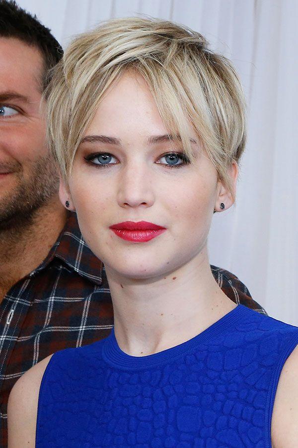 """Der Pixie von Jennifer Lawrence in New YorkFransiger Pixie mit Mittelscheitel-Pony, oder so ähnlich. Zum Fototermin der """"American"""