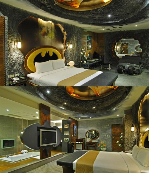 Oh. My. Gosh. A Batcave bedroom?!?HECK YES!!!! I don't think there's a better room theme than Batman. This is sooo amazing..