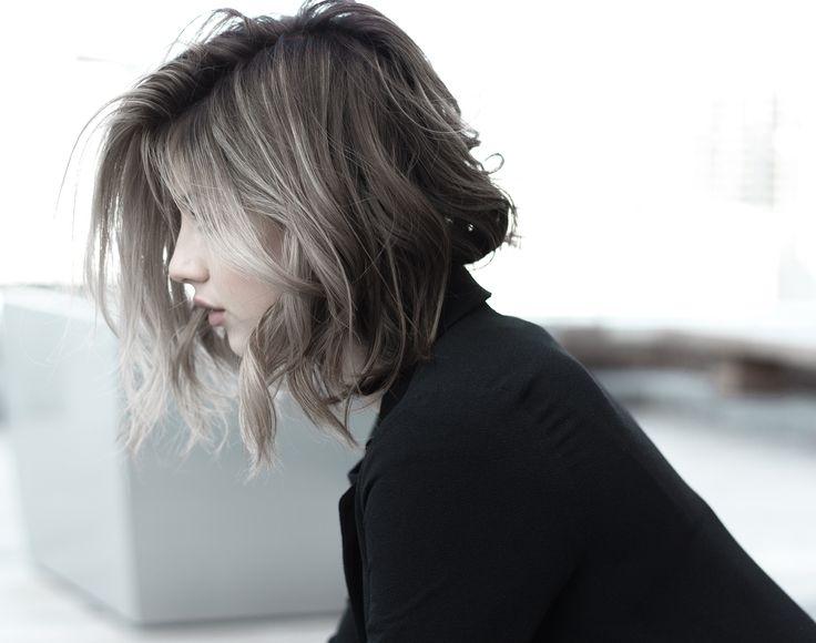 Grau ist das neue Blond. #grannyhair Unsplash