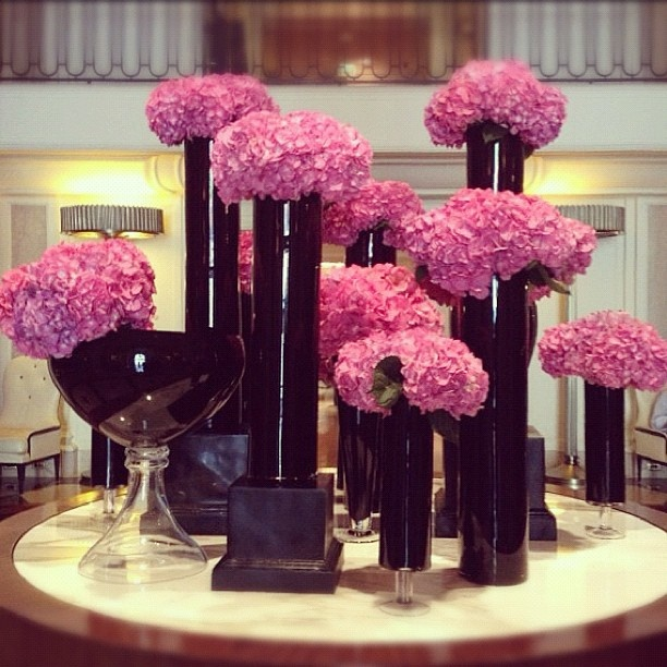 @Beverly Wilshire (A Four Seasons Hotel) is pretty in pink hydrangeas. #FSFotog…
