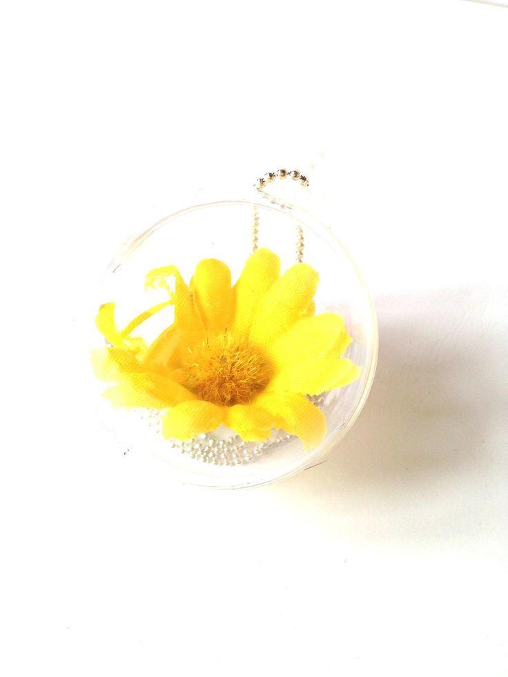 Mon sautoir LA FLEUR, jaune, dans bulle plastique par saucisse : Collier par saucisse