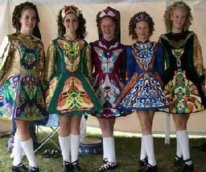 """Ireland has no official national outfit, so """"traditional Irish clothing"""" can be interpreted as anything from historical clothing to modern day step dancing costumes. Description from fashionworldroadtrip.wordpress.com. I searched for this on bing.com/images"""
