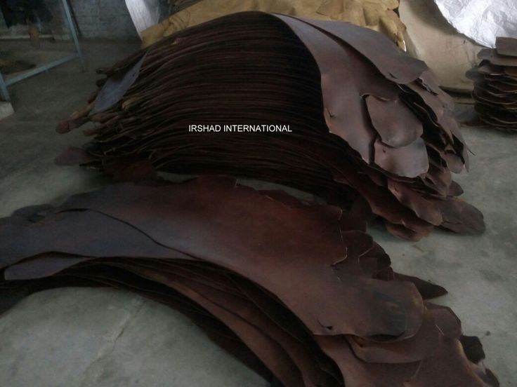 Double harness shoulder leather used in gun cover, leather strriup etc.. Thickness- 2.0 to 2.30mm. Weight-2 kg per shoulder. Color- dark brown. Quanity- 5000 to 10000 per shoulder .