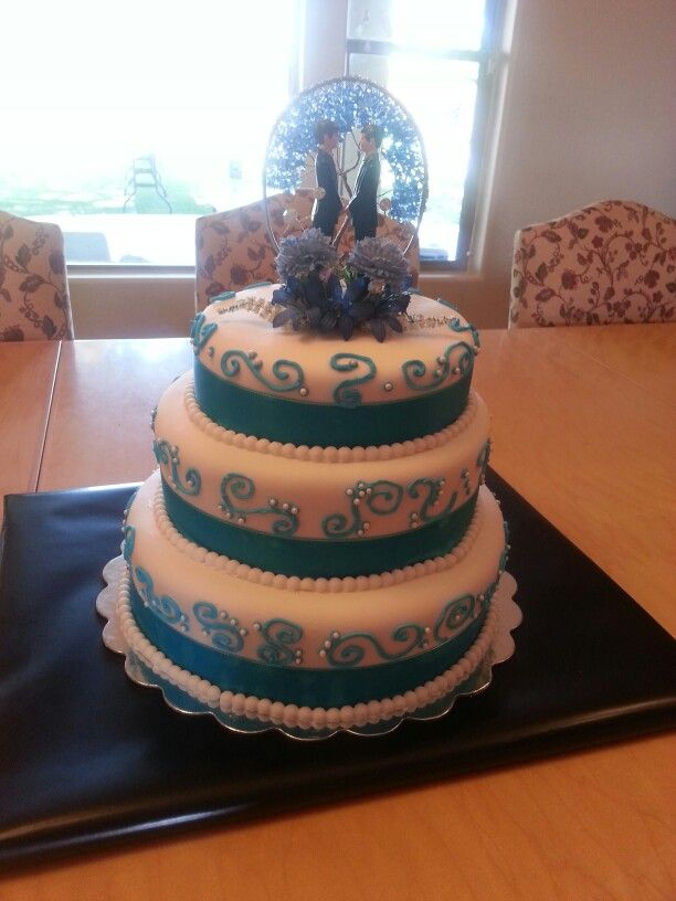 Sky Blue Cake Images : 17 best images about wedding cakes on Pinterest White ...