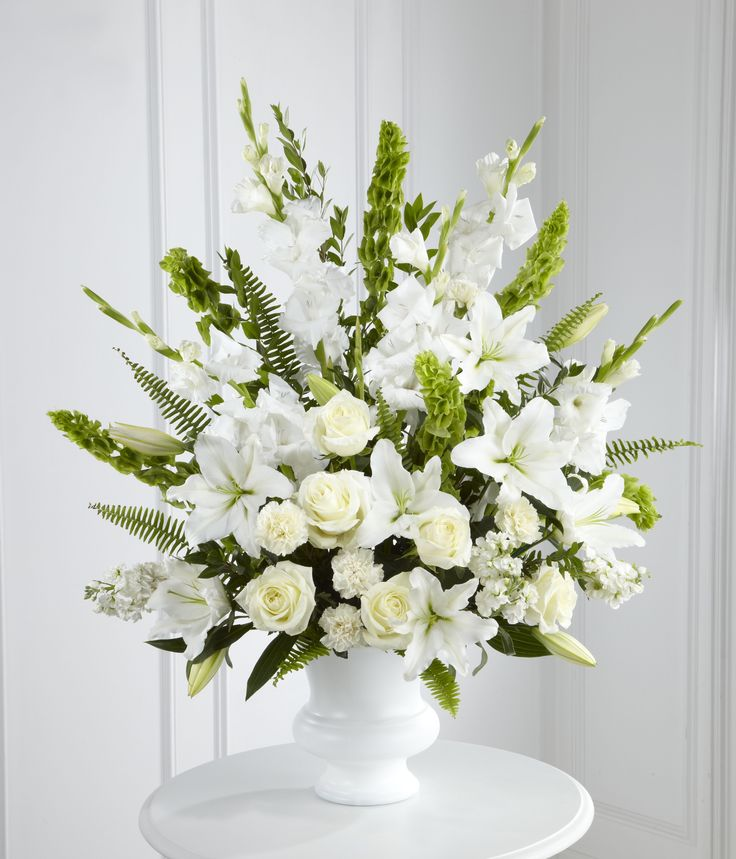 17 Best Ideas About White Floral Arrangements On Pinterest: 17 Best Ideas About Gladiolus Centerpiece On Pinterest