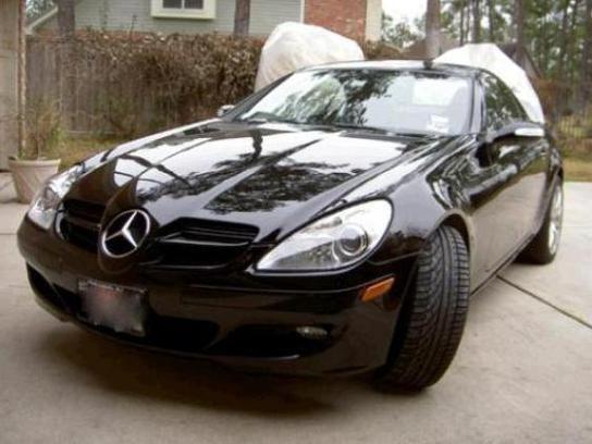 mercedes-benz negro entre otros modelos de carros usados disponibles en http://carros.pa