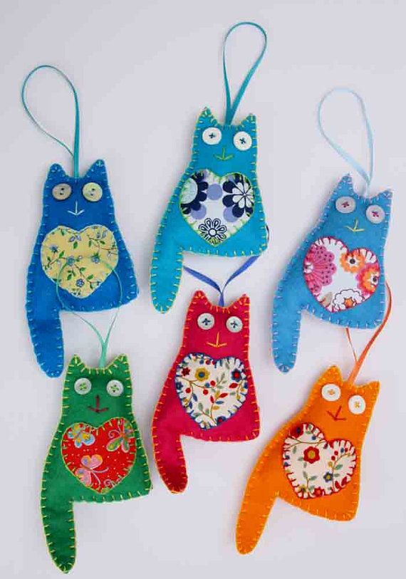 If you're a cat-lover like me, this ornament is for you! Set of 3.