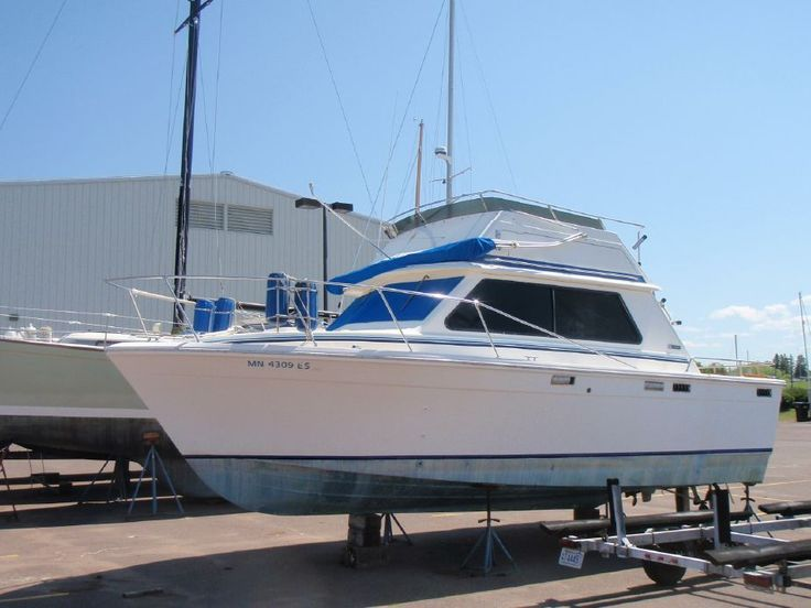 1976 Trojan 28 Sedan Bridge Power Boat For Sale - www.yachtworld.com