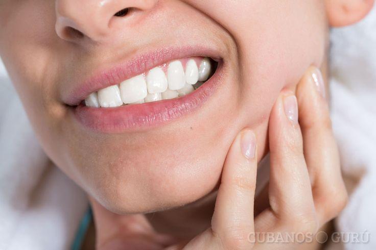 ¿Cómo aliviar un dolor de muela en casa? #muelas #dentista #dolor #boca http://www.cubanos.guru/aliviar-dolor-muela-casa/