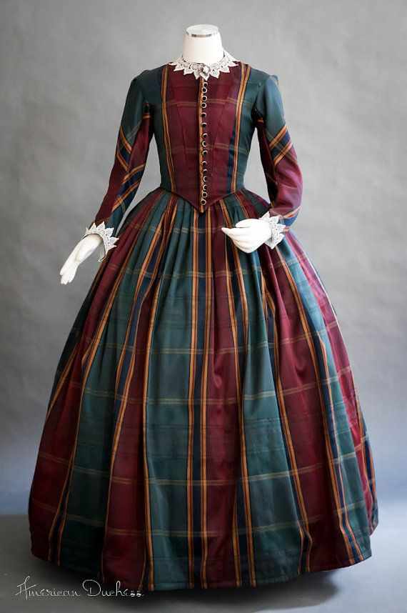 Plaid! <3 Dated or mixed. Would like to use it in mixed in the winter, a country castle maybe. Answering the door to unfamiliar visitors.