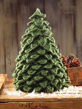 Crocodile Knit Christmas Tree