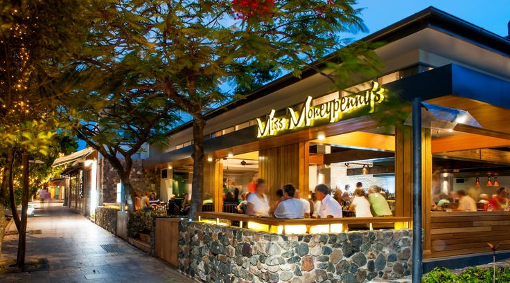 Have you tried a cocktail from Miss Moneypenny's yet? #visitnoosa #noosa #thisisqueensland #seeaustralia #tastenoosa #taste #food #yum #foodporn #yummy #delish #tasty #foodgasm #missmoneypennys #moneypennys #cocktail #mixologist #noosaheads #hastingsstreet