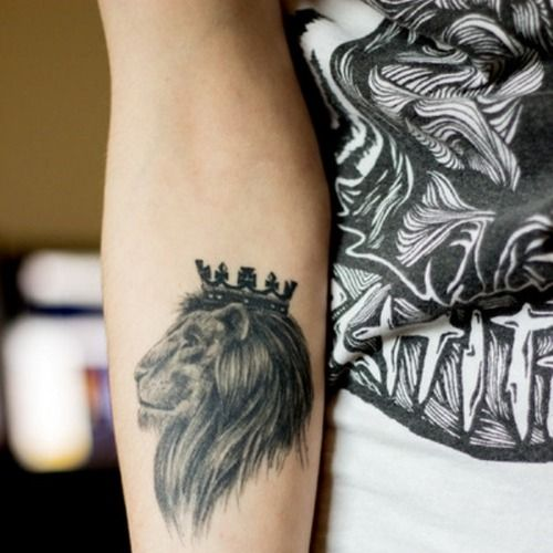 Lion tattoo. My dad wants one, I'll show this to him.