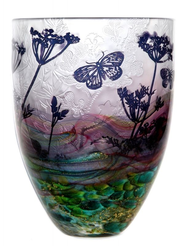 Jonathan Harris hand carved Intrinsic Cameo horizon vase