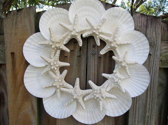 Beach Decor Sunny Day Seashell and Starfish Wreath - http://www.diyprojectidea.net/beach-decor-sunny-day-seashell-and-starfish-wreath