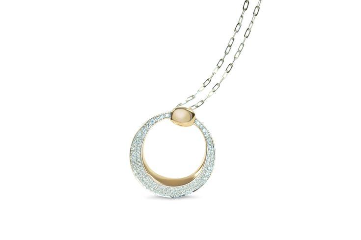 18 ct rose gold pavé set diamond circle pendant