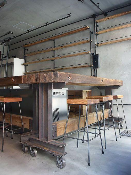 (株)EAGLEVALLEY ブランド名  SALVAGE  店舗施工例 3-06 古材と鉄のバーカウンターテーブル
