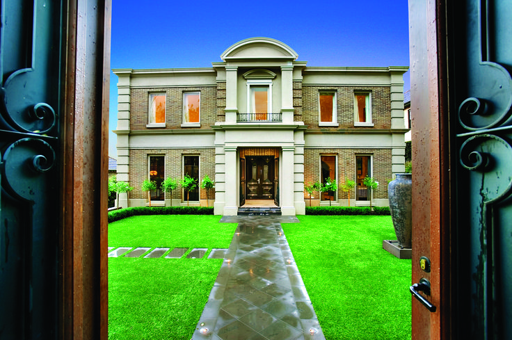 Classical Georgian Style Home with Daniel Robertson Bricks And Feature Render.  Ravida- Property With Distinction