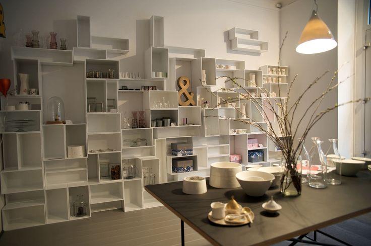 Biblioteca moderna lacada - Shelf store construction - Mymito GmbH Cubit - Vídeos
