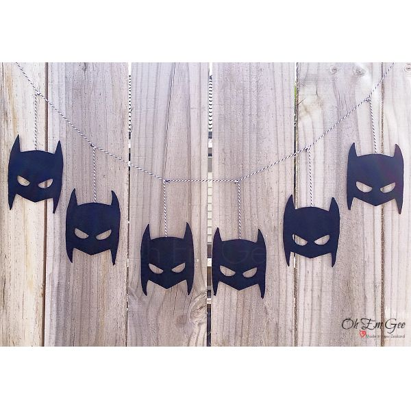 Starting from $35 NZD. Do you have a batman fan in your house? Our batman garland makes a great addition to a superhero themed bedroom or party, or possibly even a man cave!