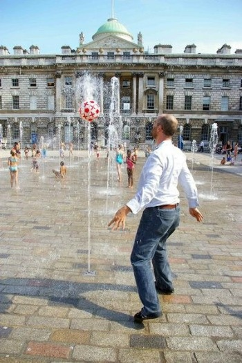 Somerset House in London has fountains in the forecourt during the summer. Perfect for small children (and dads and mums) to frolic in.
