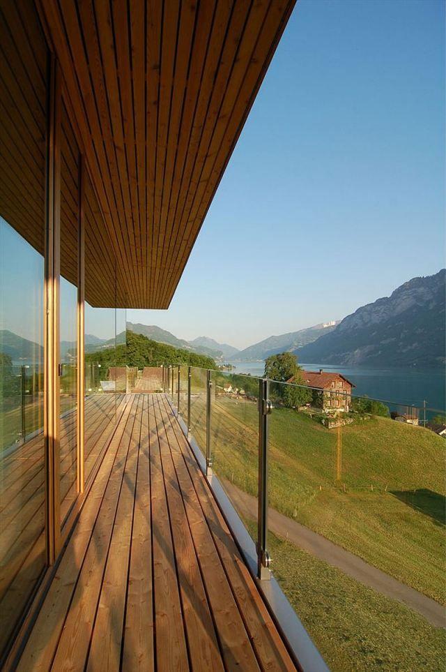 Balkongeländer Balkon Holzbelag-verlegen ideen