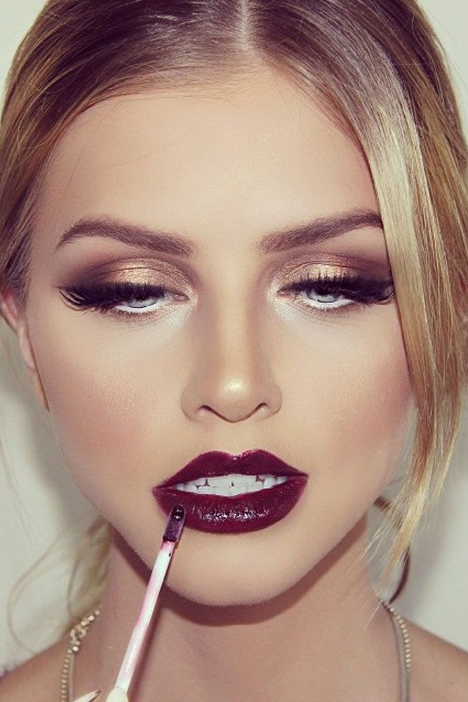 Charming Rose Gold Makeup Looks from Day to Night ★ See more: http://glaminati.stfi.re/charming-rose-gold-makeup-looks/