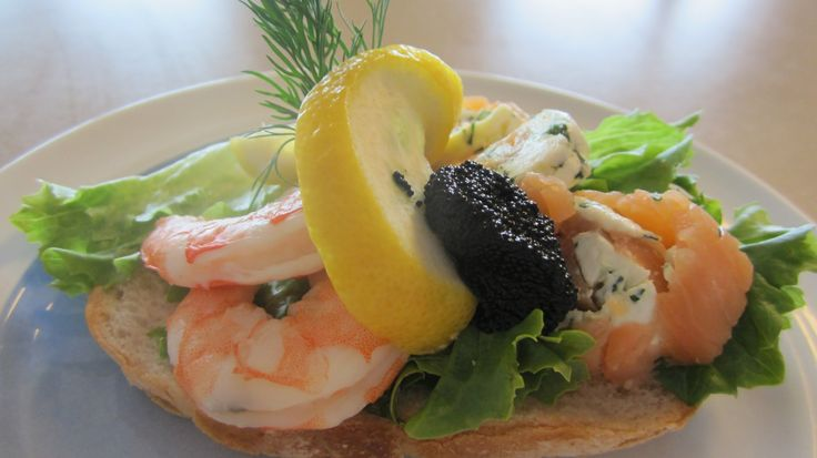 SMØRBRØD Norwegian Smoked Salmon, Shrimp & Caviar Open-Faced Sandwich