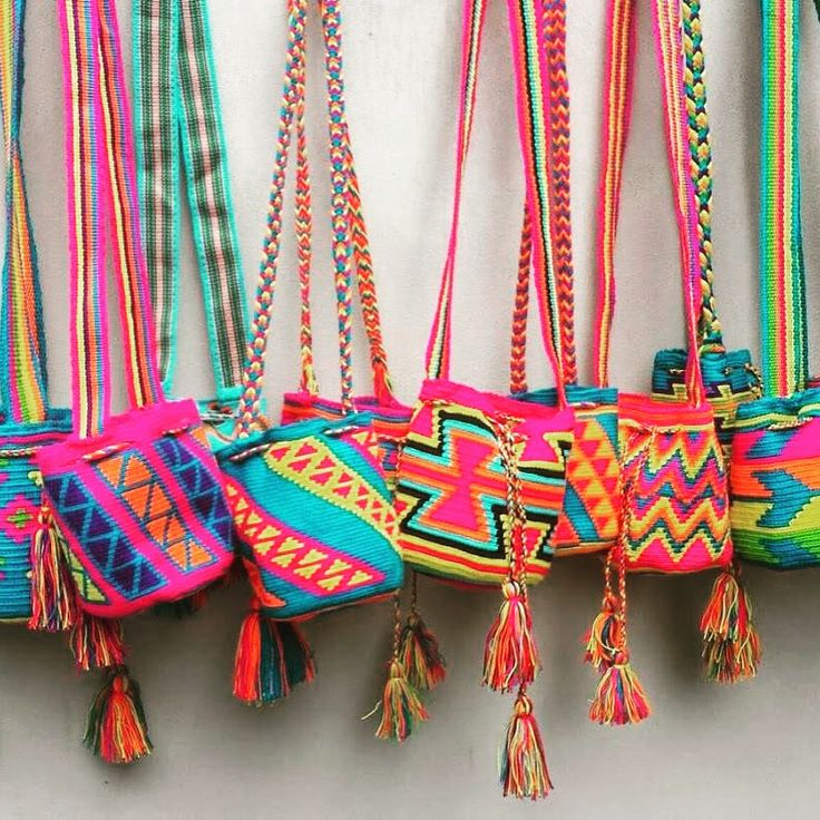 A Mochila is an abstraction of the world and its geometric figures with vibrant threads of wool, remembers the colours of animals, flowers and sceneries that surround the Wayuu Community. Wholesale 1.201.350.7702 info@susustyle.com www.susustyle.com Celebrities using Susu Bags! 15% Off