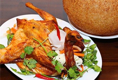 Sốt xình xịch với món gà nướng lu xôi cháy ở Bình Định