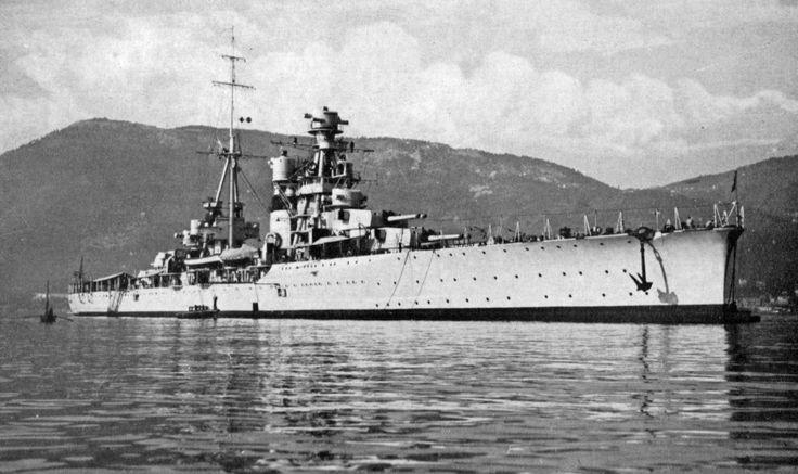 Regia Nave FIUME alla fonda a La Spezia