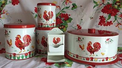 1950s-FLORAL-FARM-SCENE-RED-ROOSTER-TIN-DECOWARE