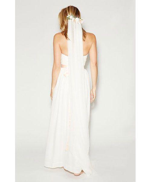 Δες τα πιο ιδιαίτερα πέπλα για να φορέσεις την πιο σημαντική ημέρα της ζωής σου και να ξεχωρίσεις...την ημέρα του γάμου σου!