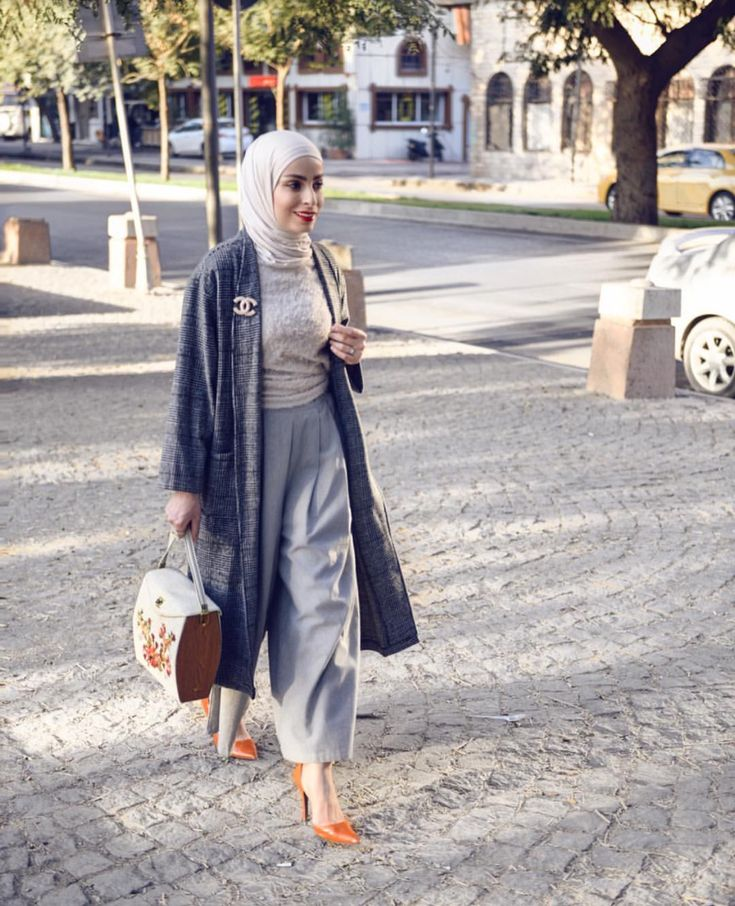 Hijab Fashion | Nuriyah O. Martinez | Please comment if you know who this is!