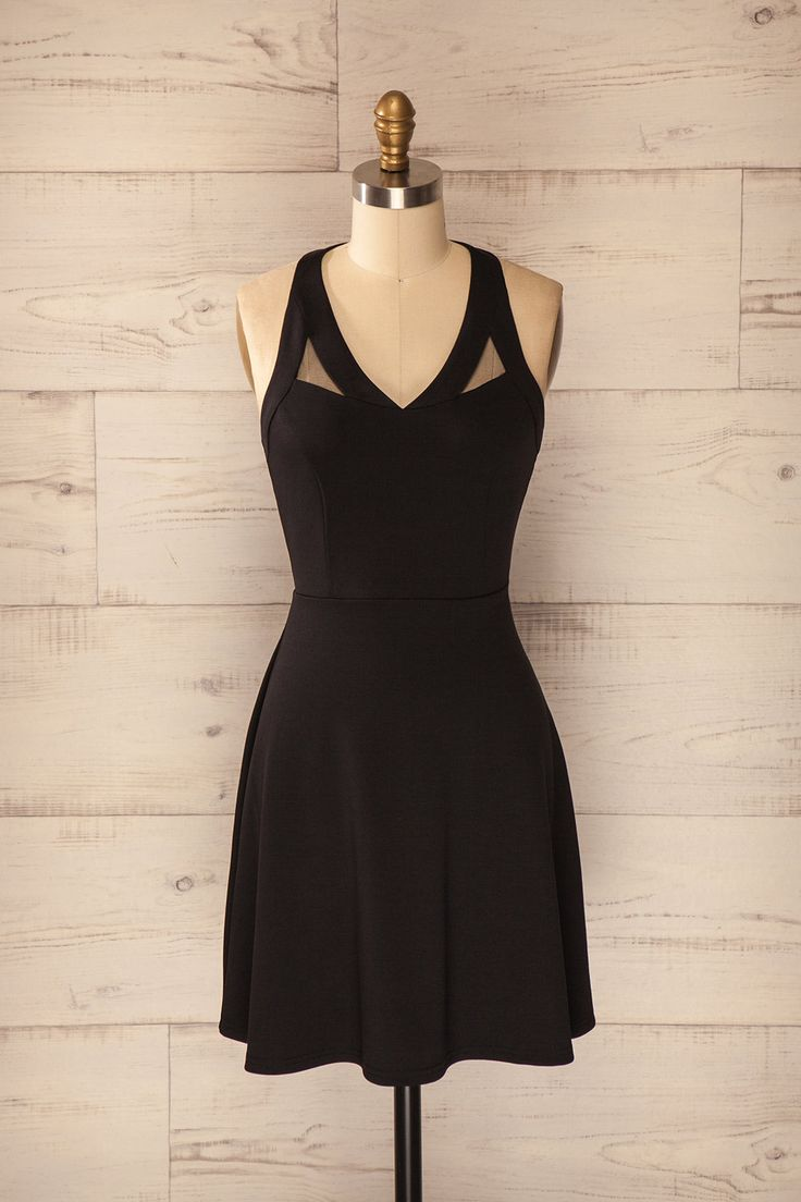 Robe noire trapèze sans manches détails filet - Black dress a-line sleeveless with mesh details