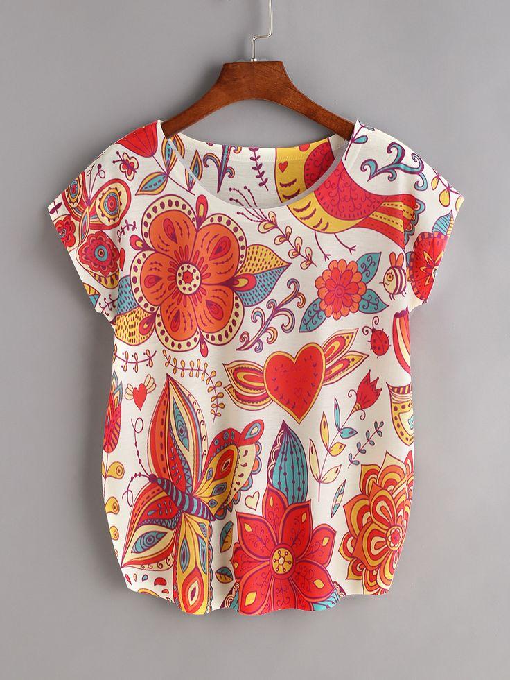 Модная футболка с цветочным принтом