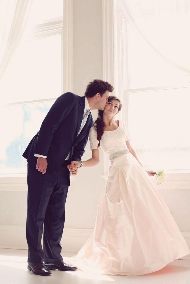 Cute dress: Modest Dresses, Wedding Dressses, Simple Dresses, Wedding Photography, Modest Wedding Dresses, Cute Dresses, Beautiful Dresses, The Dresses, Cute Pictures
